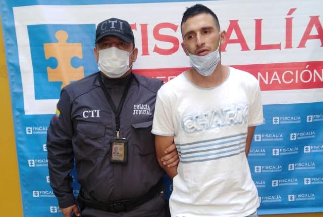 capturado por quemar la casa de su pareja en Medellín.png