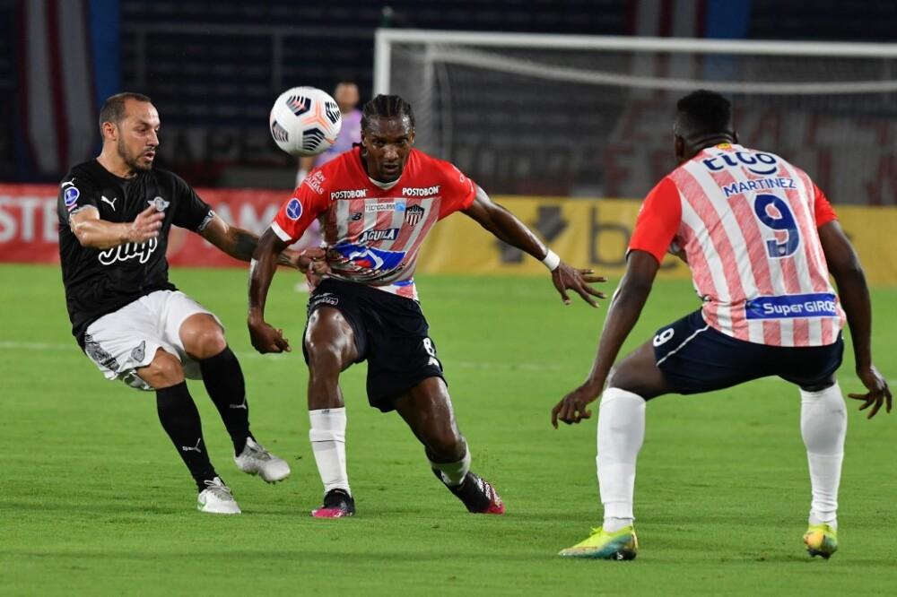 Junior vs Libertad de Paraguay. Foto AFP