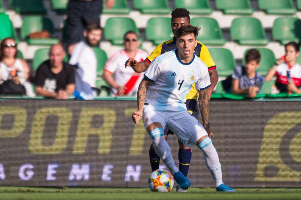 Renzo Saravia, jugador de selección de Argentina