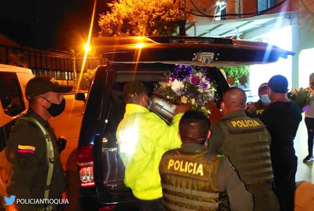 sepelio policia caucasia