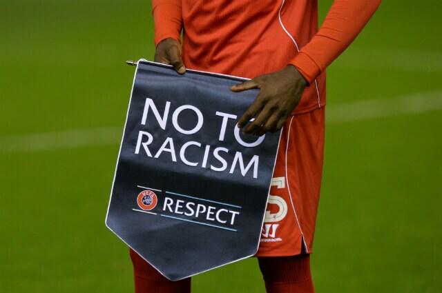 316866_no_al_racismo_110719_afpe_.jpg