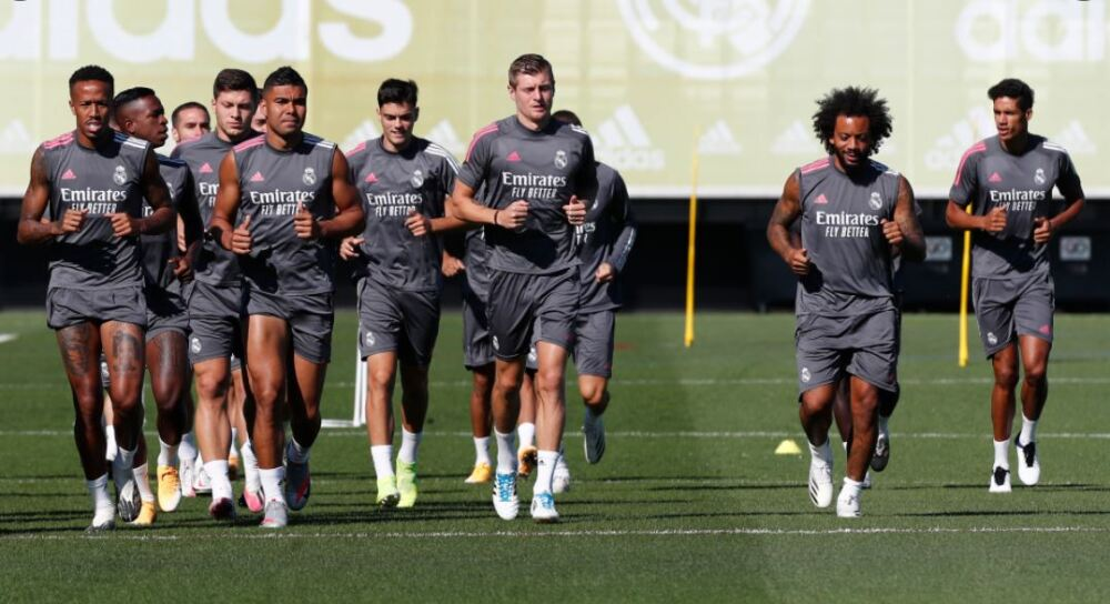 Entrenamiento Real Madrid 120920 Tw Real Madrid E.JPG