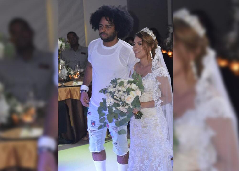 cantante nfasis que se casó en pantaloneta.jpg
