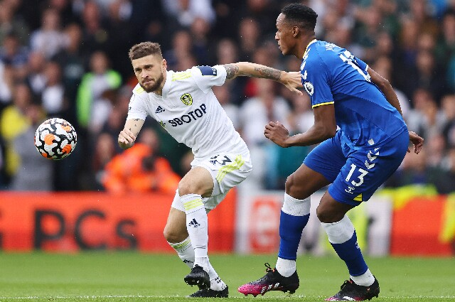 Yerry Mina, en Leeds United contra Everton