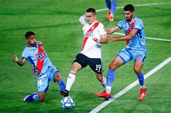 Rafael Santos Borré River Plate vs Arsenal