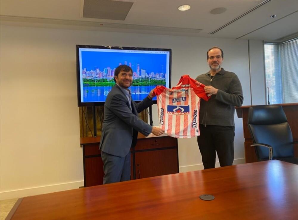 Alcalde Jaime Pumarejo y el presidente del BID Mauricio Claver- Carone