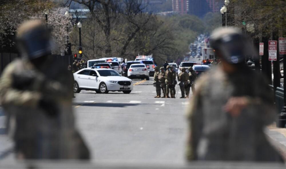 Vehículo atropelló a policías en el Capitolio