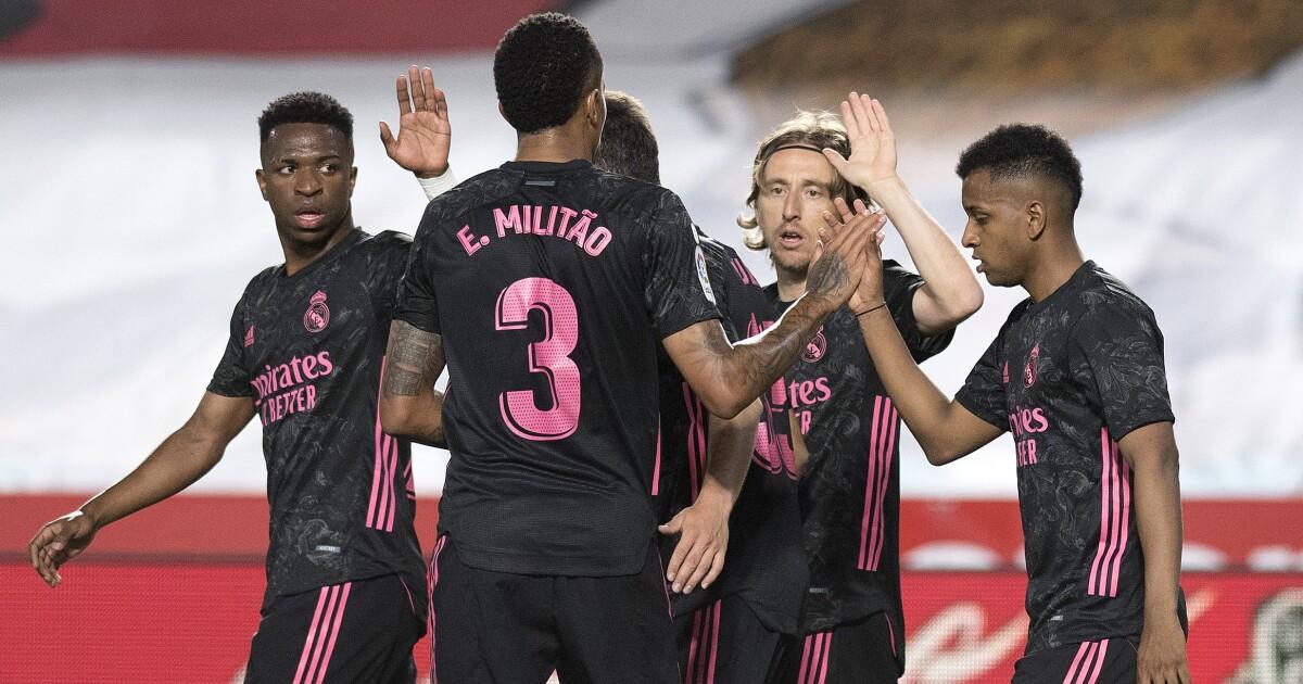 El Real Madrid estuvo a la altura y sigue vivo en la lucha por el título: goleó 4-1 al Granada