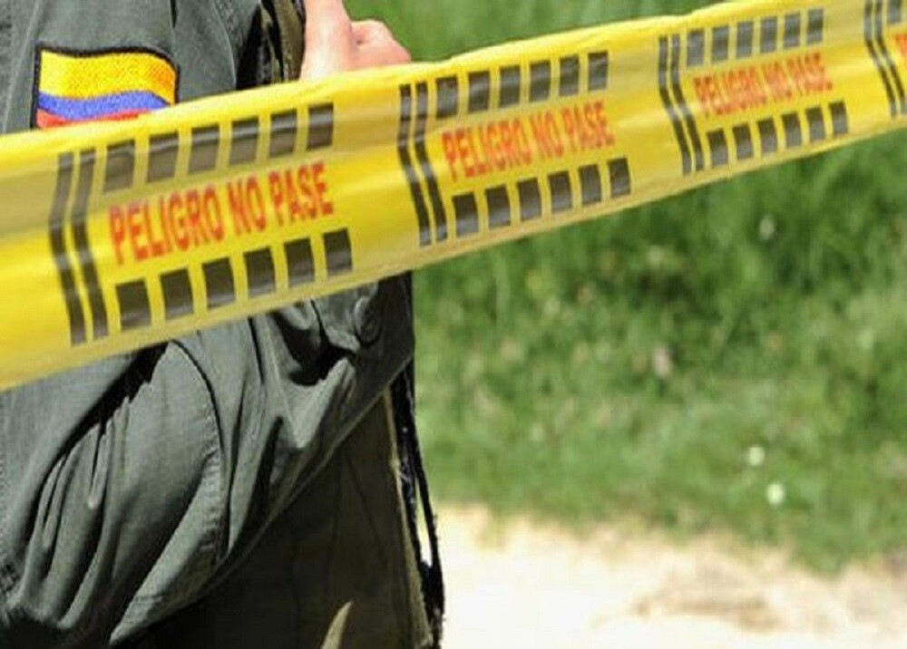 FOTO POLICIA BLU -CRIMEN -REFERENCIA.jpg
