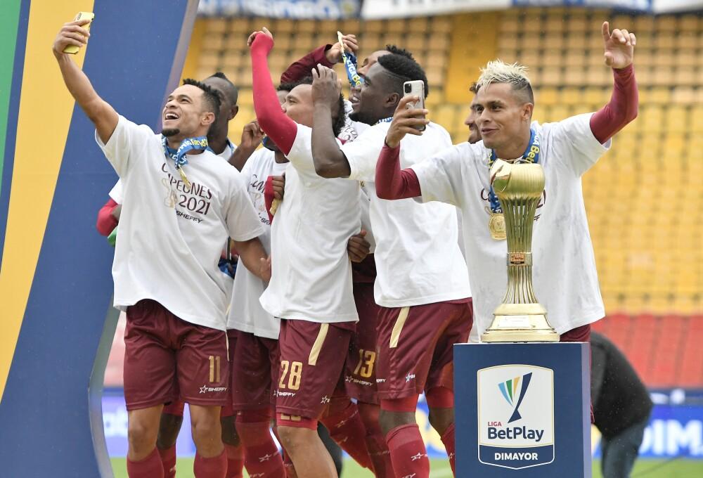 Jugadores del Tolima festejan el título