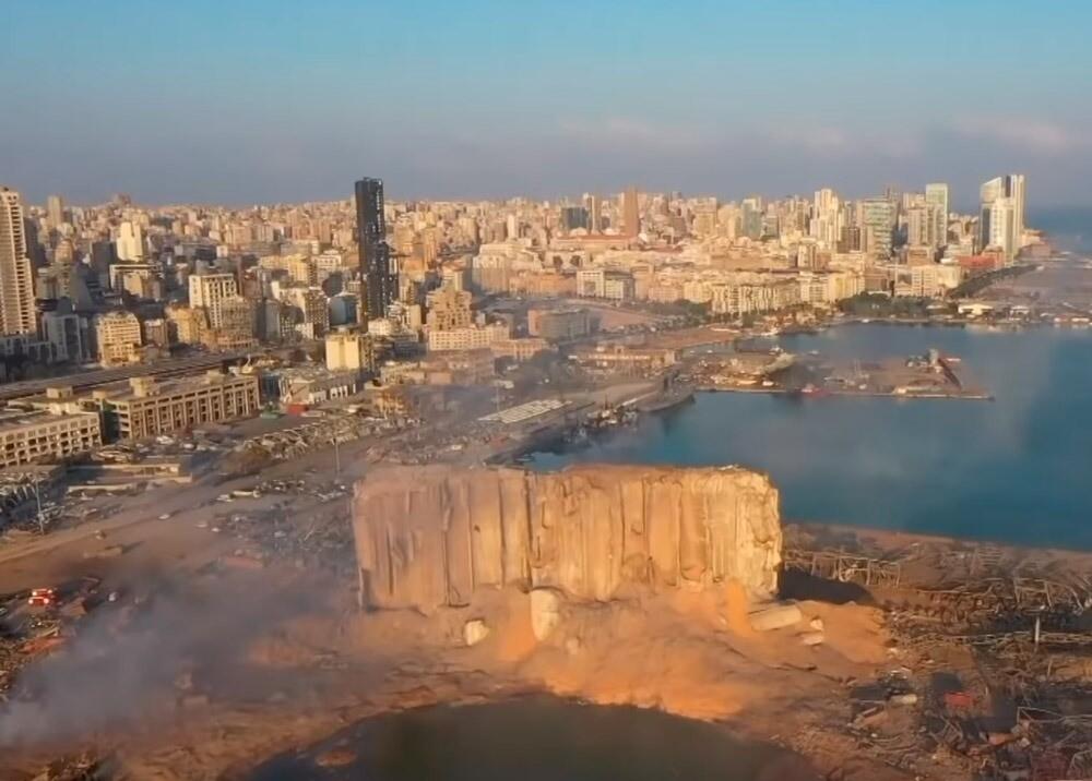 373330_Sobrevuelo en zona de explosión en Beirut // Foto: captura video Daily Telegraph