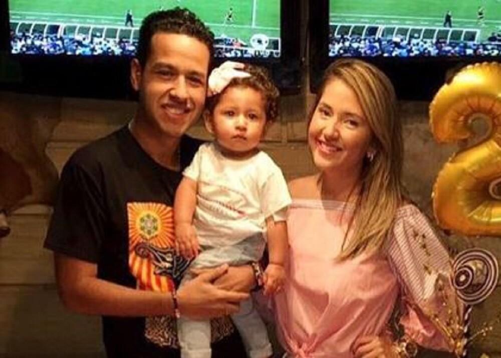 345359_BLU Radio // Martín Elías con su esposa e hija // Foto: Instagram @dayanajaimes55