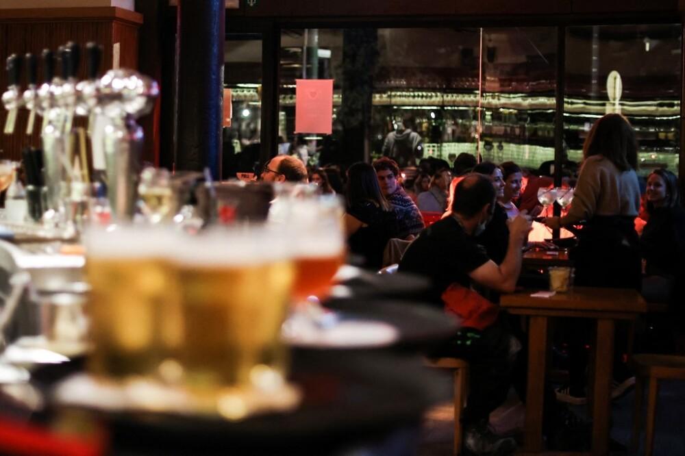 Bar y restaurante. Foto referencia AFP