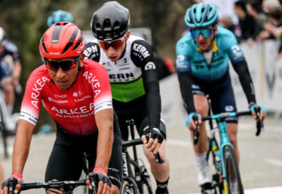 Nairo Quintana sigue en la pelea por el título del Tour de los Alpes Marítimos.