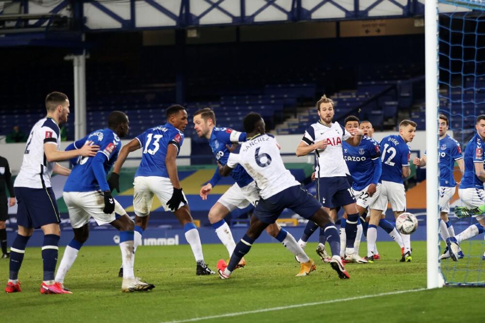 Everton vs. Tottenham 110221 Getty Images E.jpg