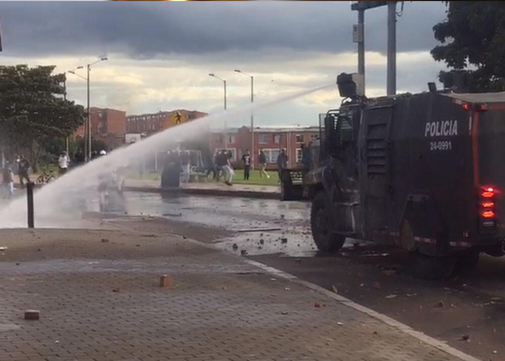 disturbios en suba fontanar.jpg