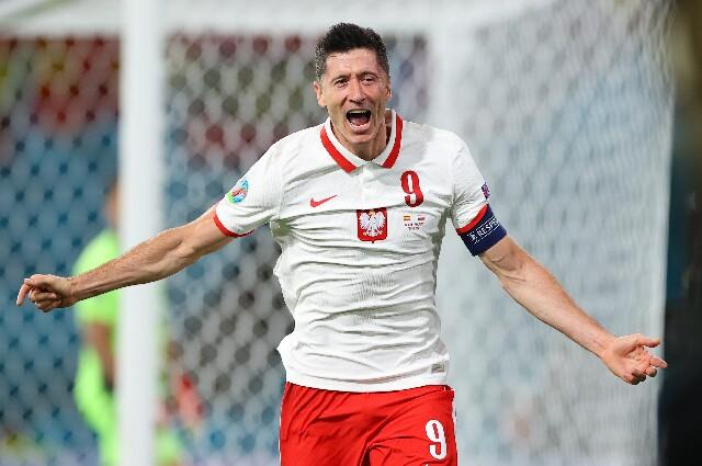 Robert Lewandowski, en España contra Polonia