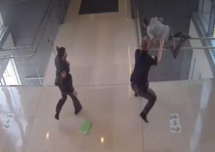 Detenido saltó de un sexto piso