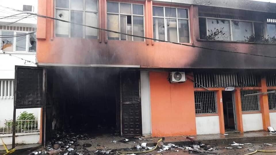 alcaldia de la plata huila incinerada por manifestantes (7).jpeg