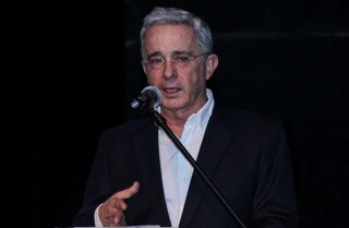 uribe defensa.jpg