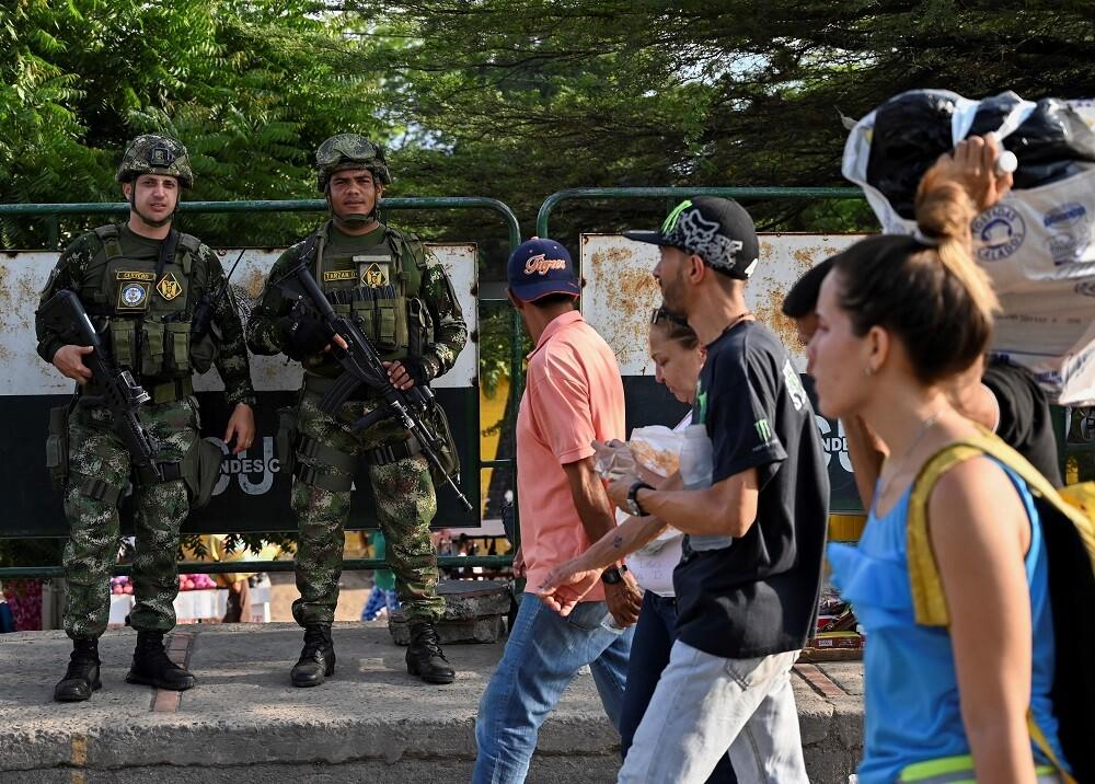 333127_BLU Radio // Policías en la frontera colombo-venezolana // Foto: AFP
