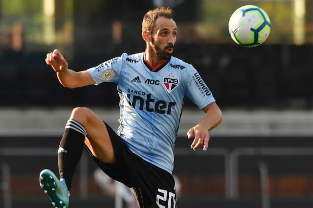 332935_Juanfran Torres, jugador español en Sao Paulo