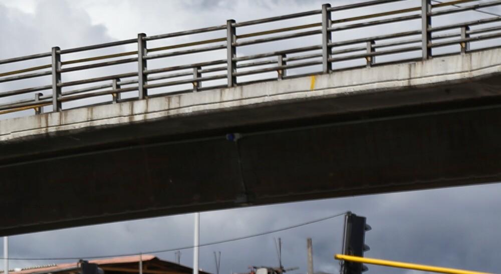 Hallan cuatro cadáveres colgando de un puente en México