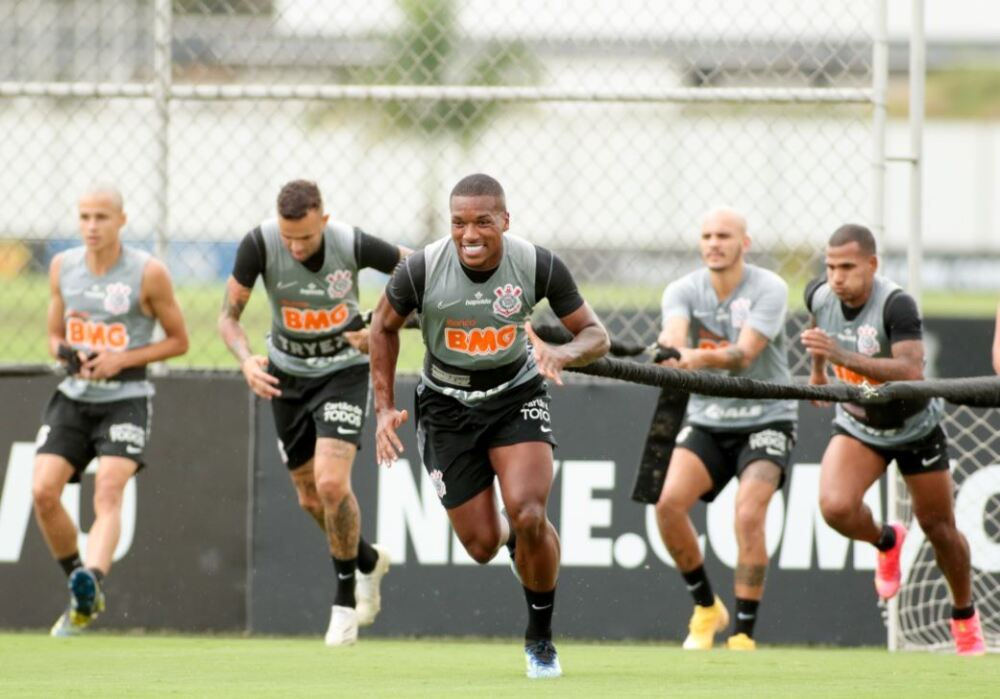 Equipo Corinthians 020321 Twitter E.JPG