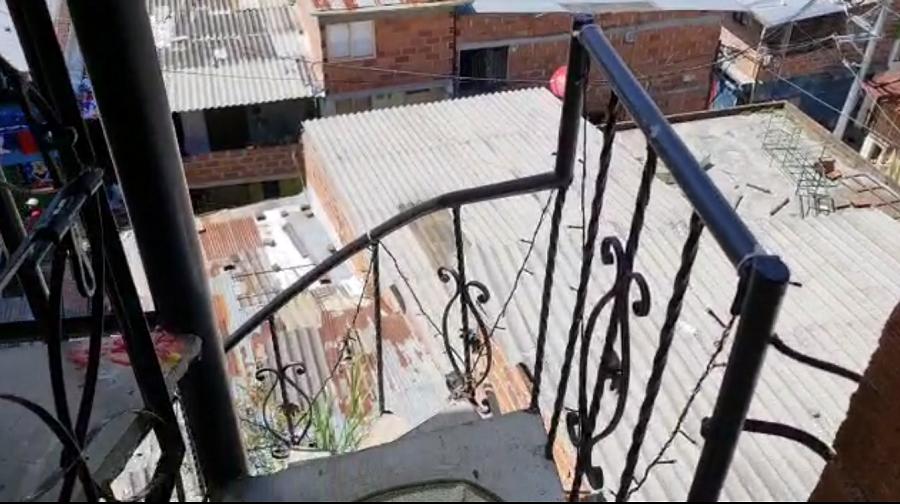 Bebé fallece en Medellín tras caer de un tercer piso.png