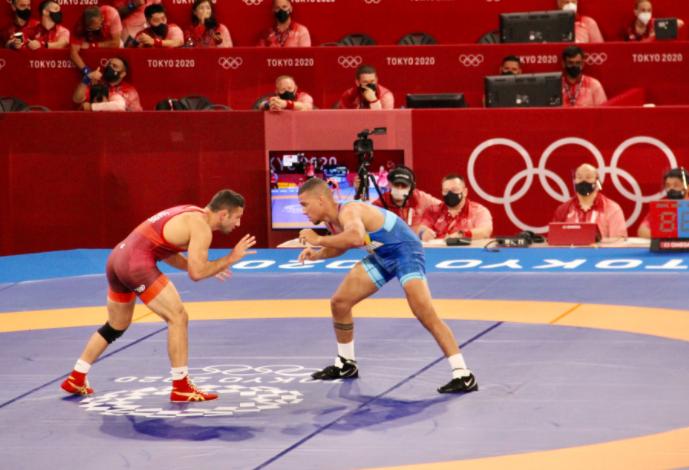 Carlos Izquierdo cayó en su primer combate de la lucha libre de los Juegos Olímpicos Tokio 2020