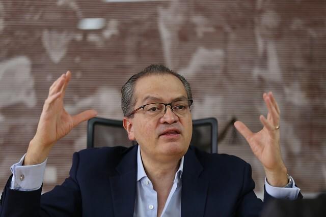 Fernando Carrillo pide que dejen trabajar a la JEP.jpg