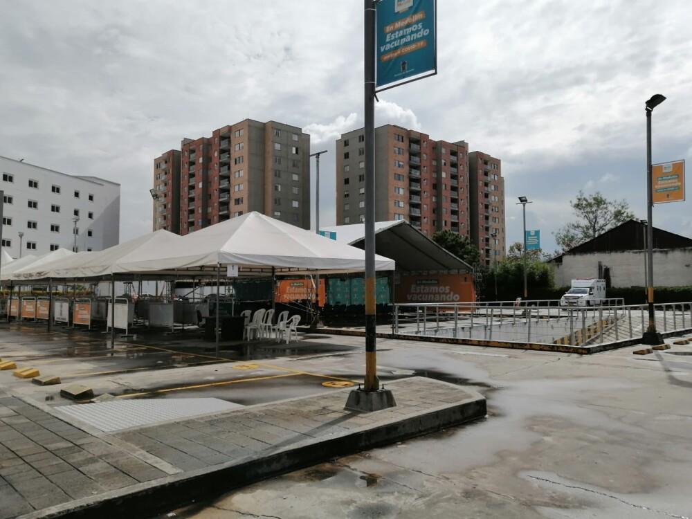 PUNTO VACUNACIÇON VACIO.jpg