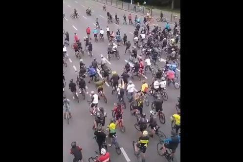 Ciclistas protestan en Bogotá por robos.JPG