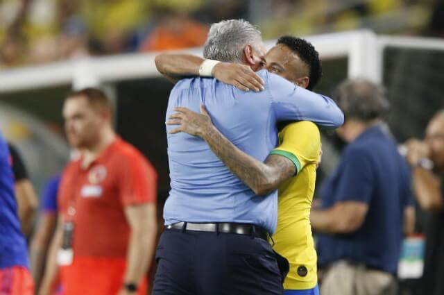 322655_Tite junto a Neymar
