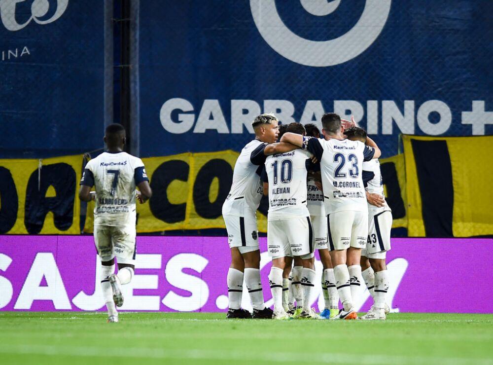 Gimnasia celebra vs Boca Juniors
