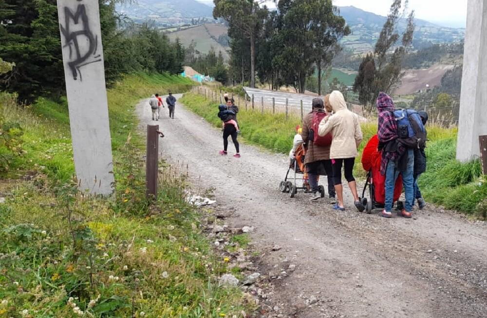 paso ilegal de migrantes en la frontera con ecuador  foto blu radio  (2).jpeg