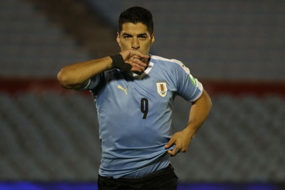 Uruguay v Chile - South American Qualifiers for Qatar 2022