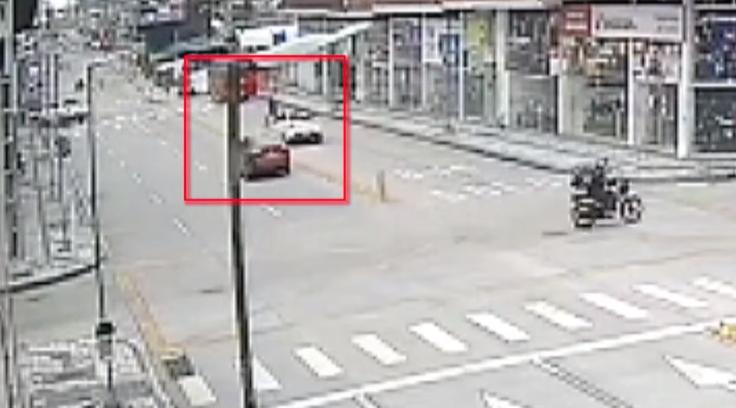 peatones intentando ser atropellados.png