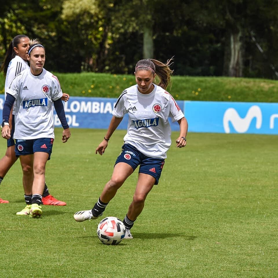 Tatiana Ariza, jugadora de la Selección Colombia. FCF.jpg