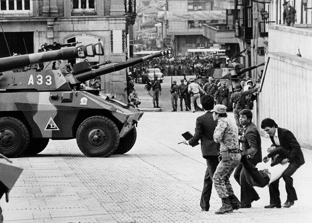 285281_Retoma Palacio de Justicia - Foto: AFP