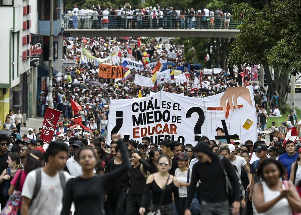 318337_Blu Radio // Protesta educación // Foto: AFP