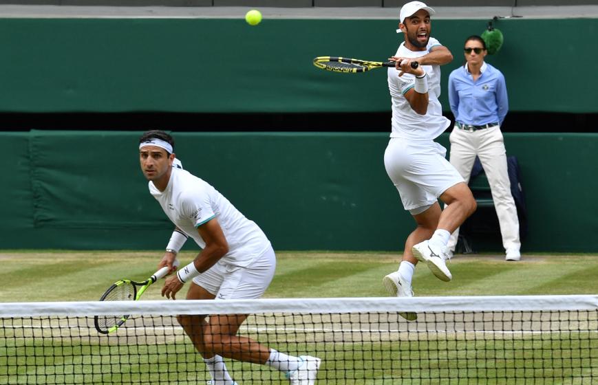 Juan Sebastián Cabal y Robert Farah clasificaron a octavos de final de Wimbledon.
