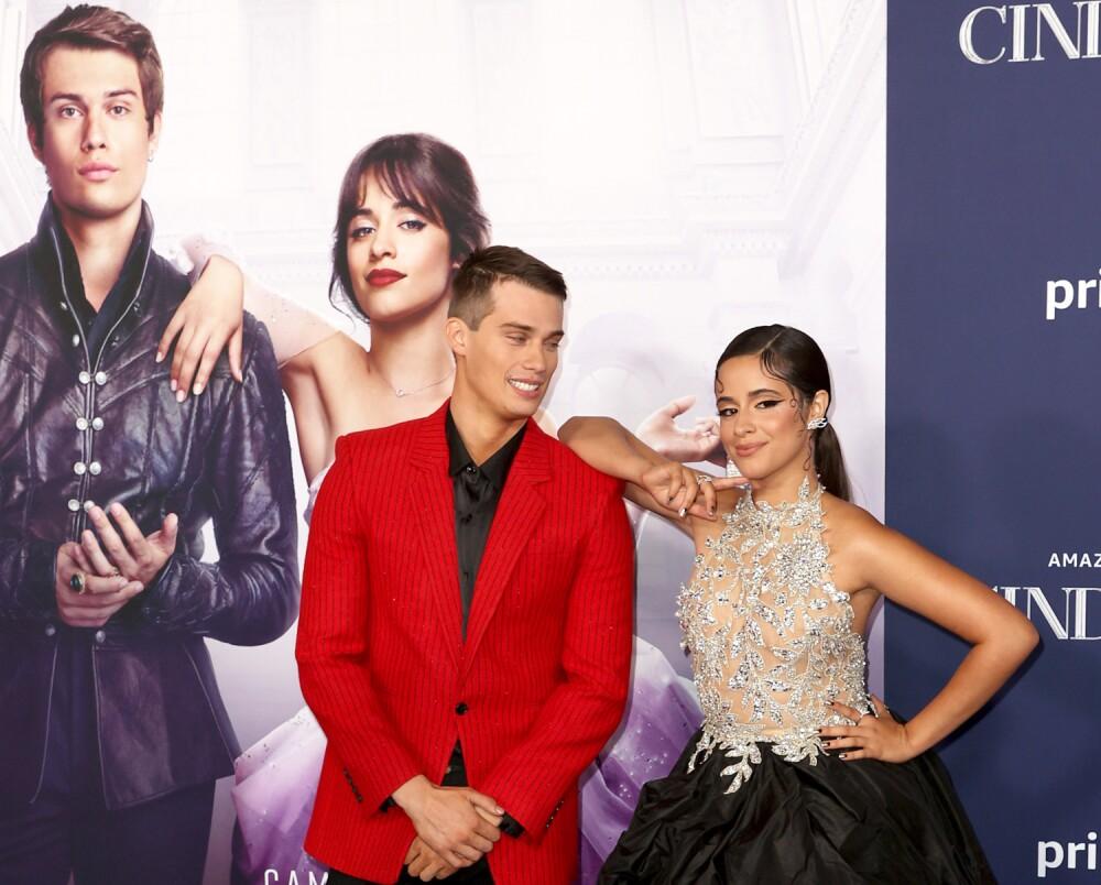 Nicholas Galitzine y Camila Cabello en el estreno de 'Cenicienta'