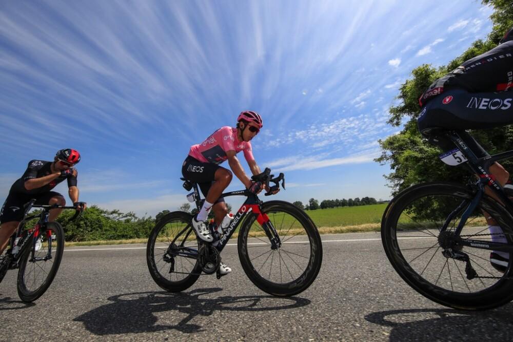 Egan Bernal se acerca al campeonato del Giro de Italia