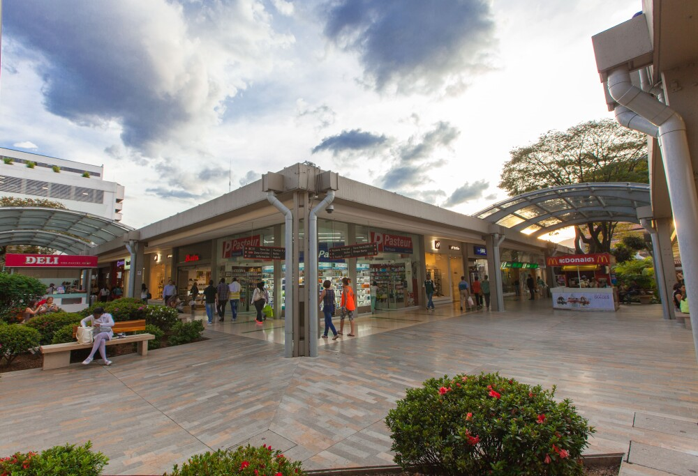 Centros comerciales Medellín - Alcaldía de Medellín.jpg