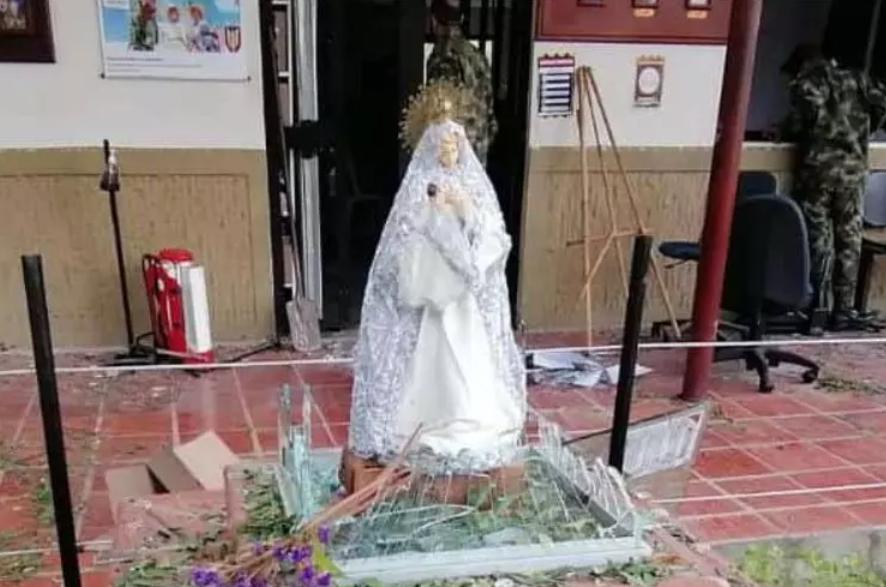 Virgen de la brigada 30 de Cúcuta quedó intacta tras explosión de carro bomba.PNG