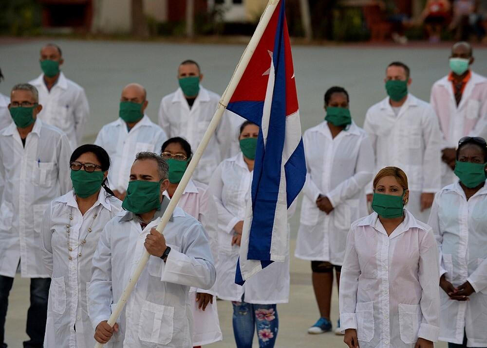 372424_Médicos cubanos // Foto: AFP