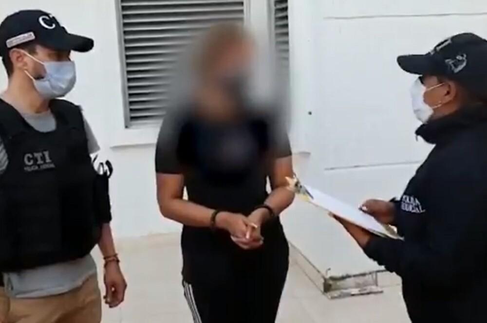 Mujer capturada por robar en conjuntos residenciales