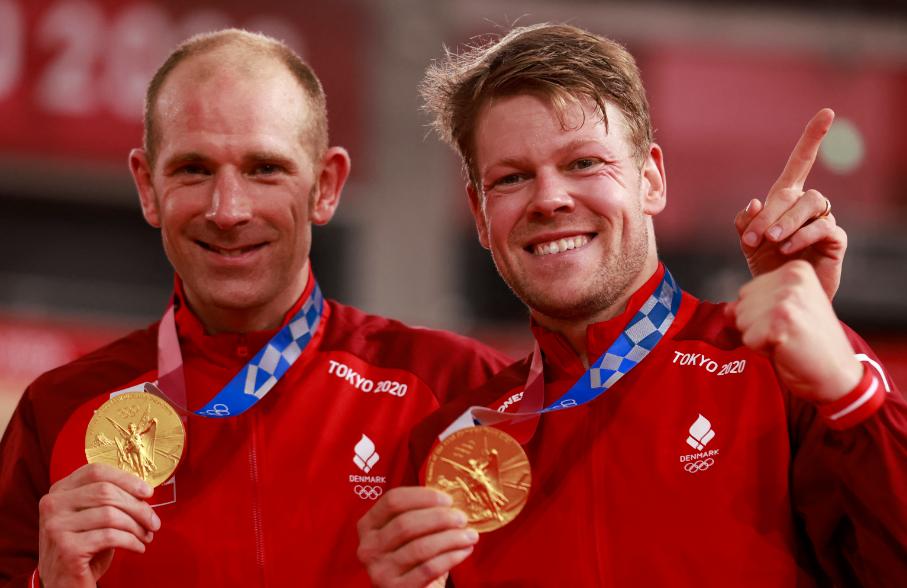 Lasse Hansen y Michael Morkov ganaron el oro en madison de los Juegos Olímpicos Tokio 2020.