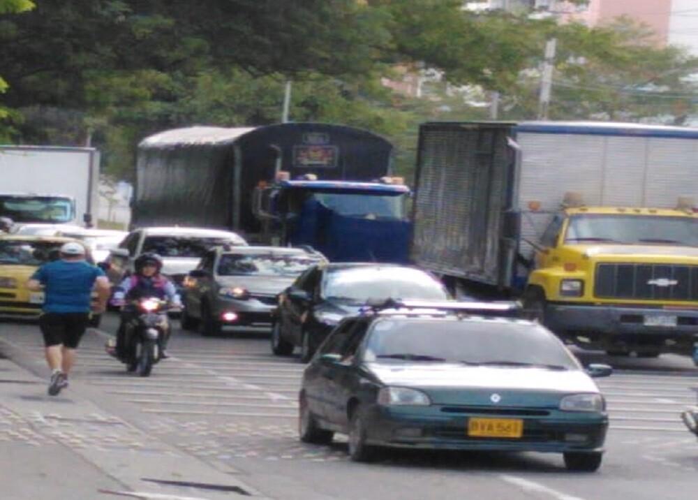353703_BLU Radio. Trancones en el anillo vial de Bucaramanga / Foto: suministrada